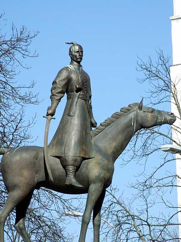 Постать козака на коні (2)