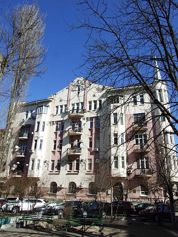 2020 р. Фасад по вул. Рейтарській