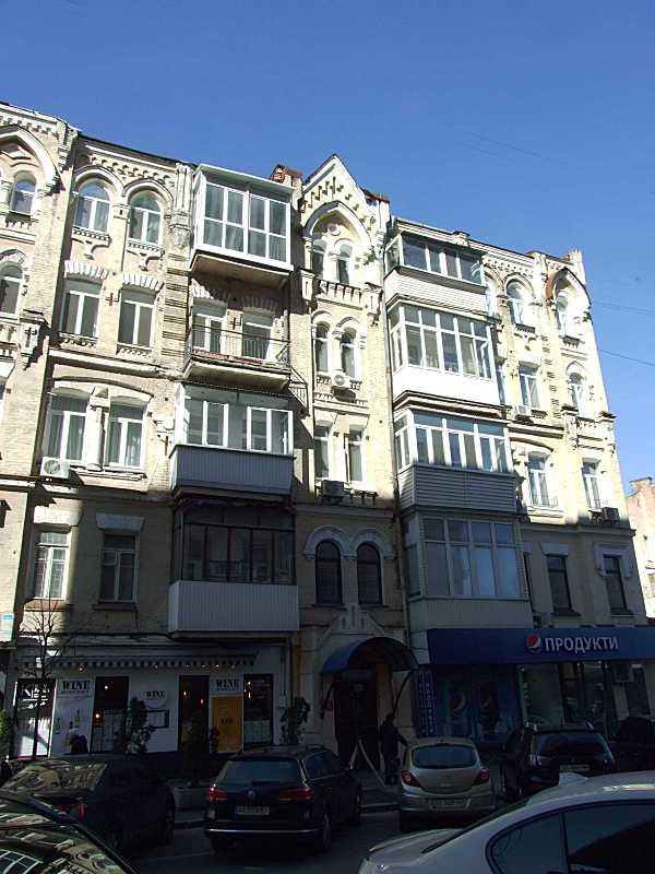 Права частина головного фасаду
