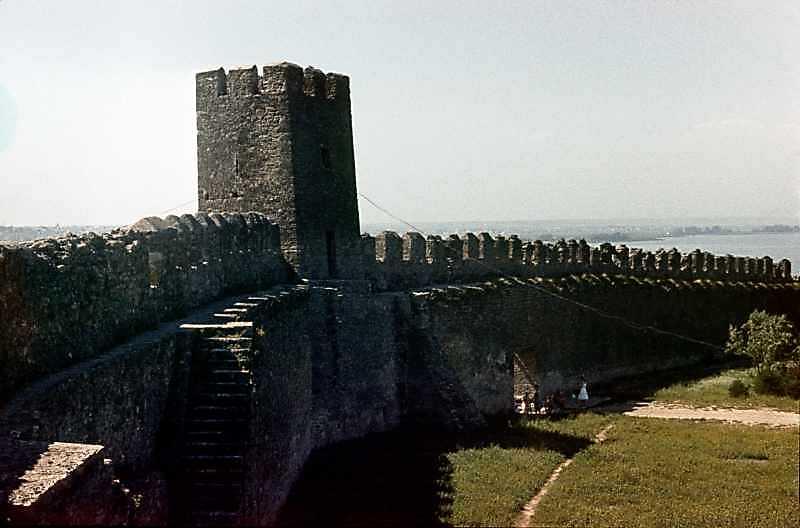 Середній мур