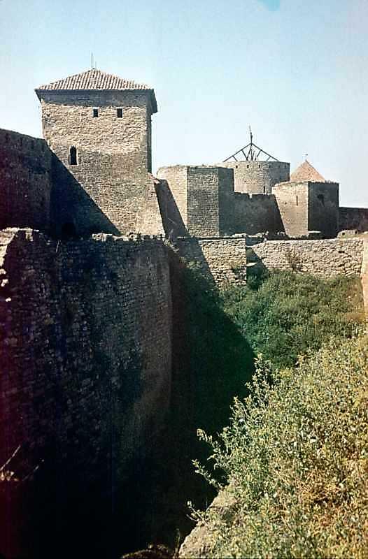 1986 р. Центральна частина східного фронту з баштами 1, 32, 27, 31, 30. Вигляд з південного…