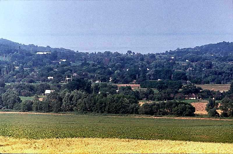 1985 р. Загальний вид села на тлі…